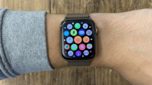 set alarms on Apple watch